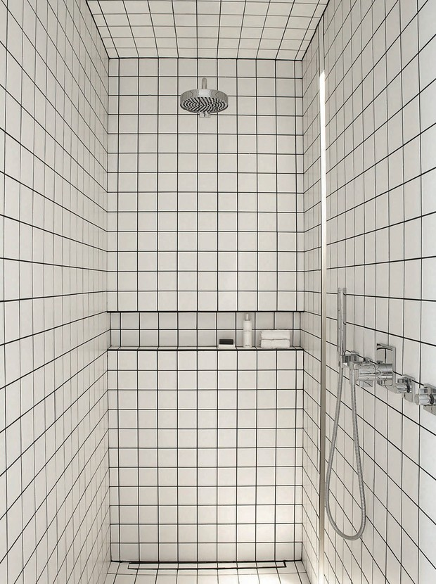 Фото №3 - Вопрос эксперту: контрастная затирка для плитки в ванной
