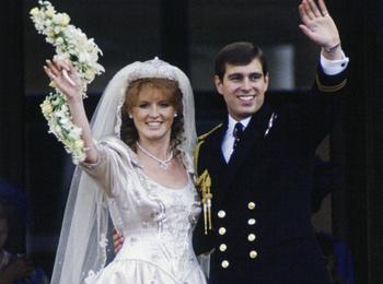 Предчувствие беды: что пошло не так на свадьбе Сары Фергюсон и принца Эндрю