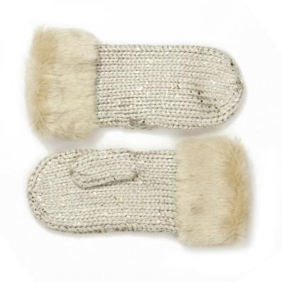 Фото №5 - Что носить зимой: топ-6 модных варежек