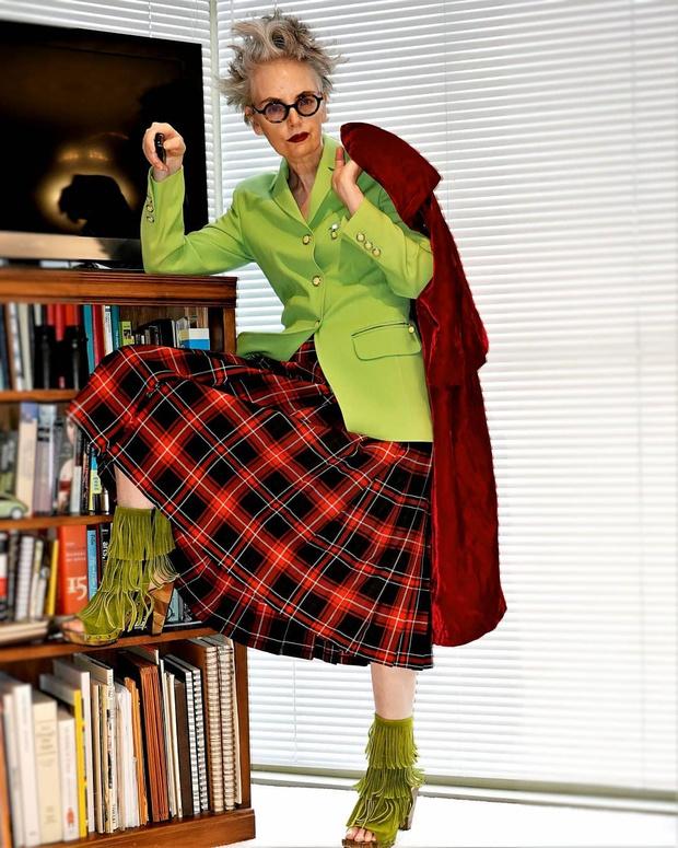 Фото №2 - «Гранфлюенсеры»: женщины 50+ с превосходным стилем, за которыми стоит следить