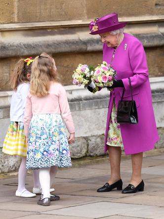 Фото №42 - Одним цветом: как королевские особы носят монохромные образы— 30 вдохновляющих примеров