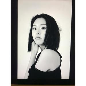 Фото №2 - Гороскоп Elle Girl: май 2020