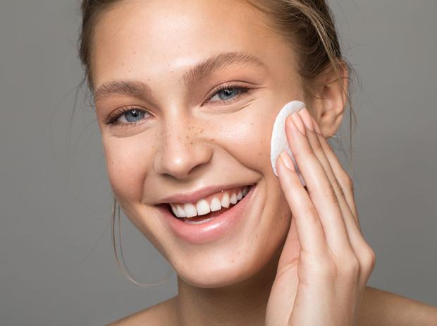 Фото №2 - Правила сочетания: как носить косметику и контактные линзы