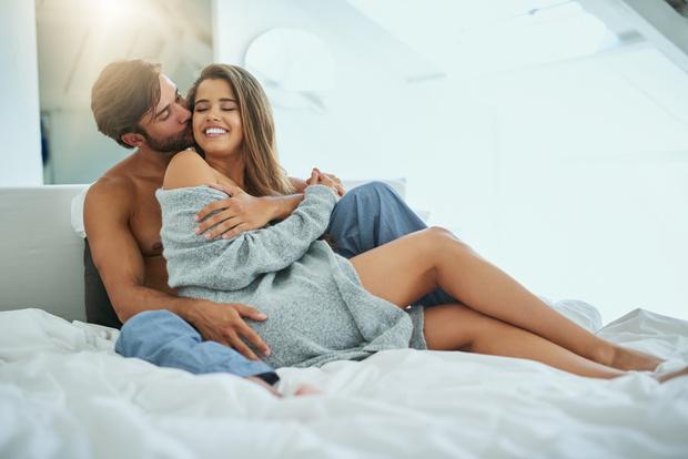 Он устраивает меня в постели, а поговорить не о чем: Что важнее сексуальная или духовная совместимость, психолог