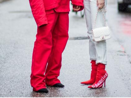 Фото №4 - 5 нелепых моделей обуви, которые лучше не надевать