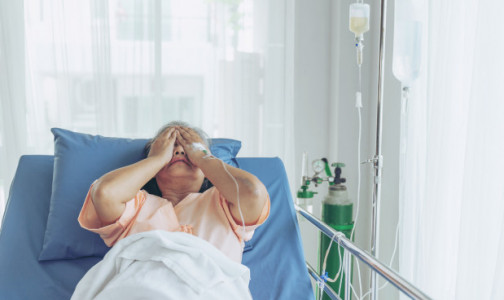 Фото №1 - Главный онколог Минздрава: Врачи верят, что коронавирус может «вытеснить» рак
