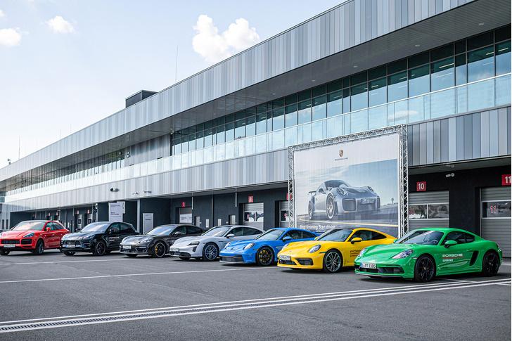 Фото №21 - Успеть за четыре часа: как Санкт-Петербург принял Porsche World Road Show