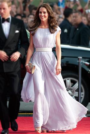 Фото №58 - Как Кейт Миддлтон вдохновляется стилем принцессы Дианы (и, главное, зачем?)