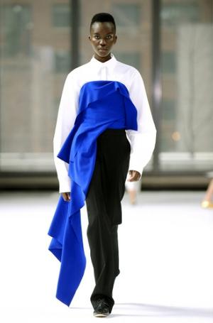 Фото №2 - Аромат дня: Saffron Lazuli от Carolina Herrera Confidential