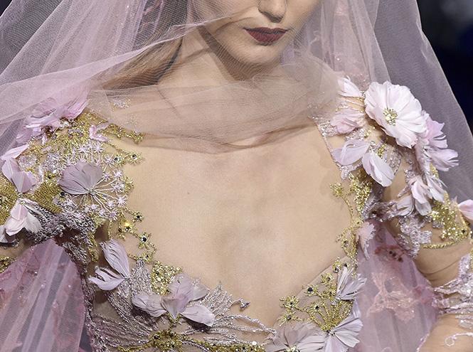 Фото №7 - В деталях: лучшие свадебные платья haute couture осень/зима 2016