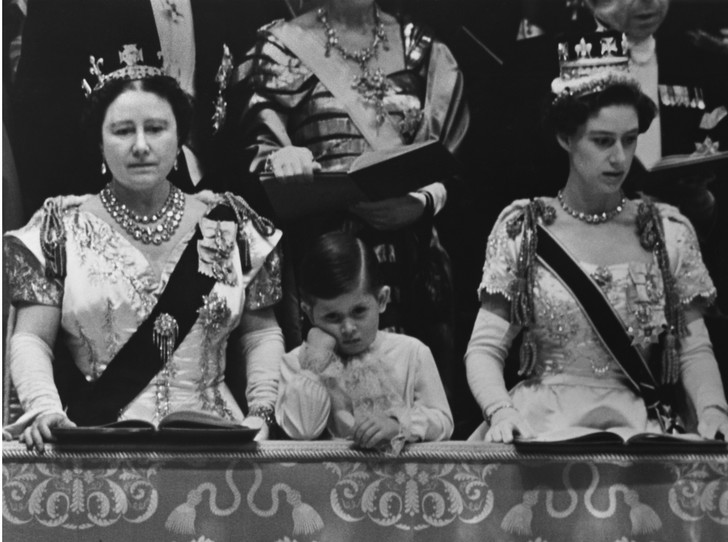 Фото №2 - Чем будут отличаться коронации Елизаветы и Чарльза