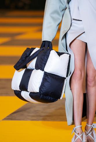 Фото №35 - Самые модные сумки осени и зимы 2019/20