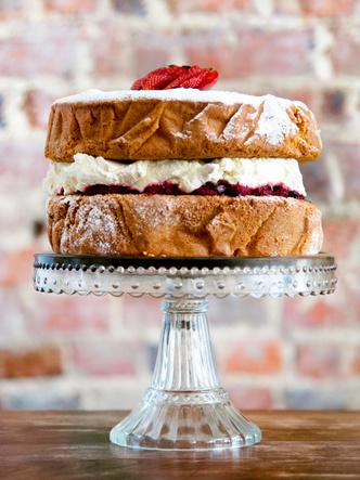 Фото №2 - Викторианский торт: как готовить любимый десерт герцогини Камиллы