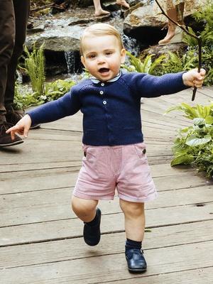Фото №10 - Общий гардероб: 10 раз, когда Джордж, Шарлотта и Луи носили одежду друг друга