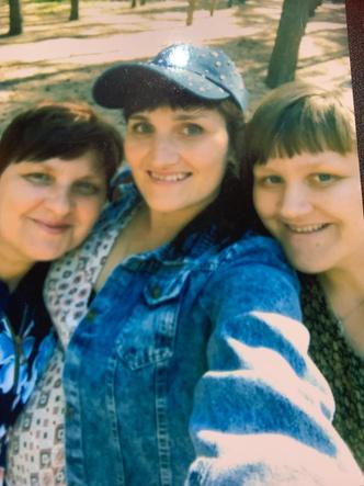 Фото №16 - 15 фото, которые докажут: дочки превращаются в копии своих мам