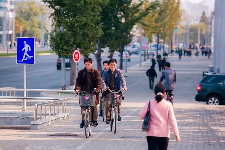 Фото №1 - Как живут люди в Северной Корее