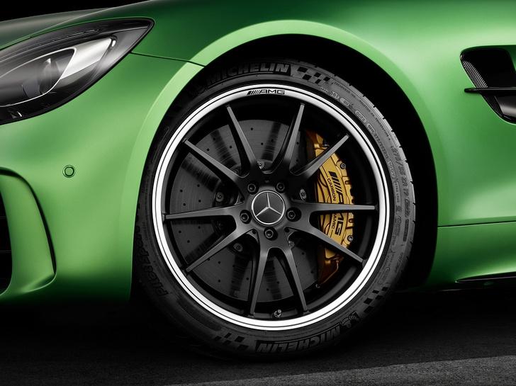 Фото №2 - Союзники: новые шины MICHELIN дополнят Mercedes-AMG GT R