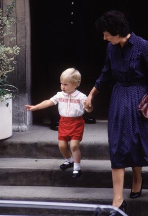Фото №5 - Непристойное поведение: почему Елизавета была возмущена воспитанием Уильяма