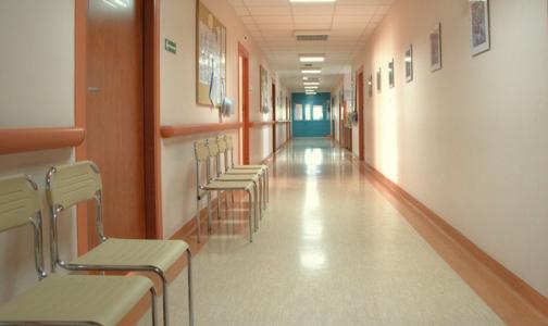Фото №1 - Минтруд хочет обязать частные клиники лечить пенсионеров бесплатно
