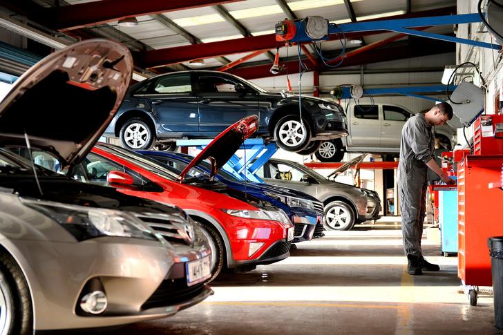 Фото №7 - Что означают цветные лужицы под твоей машиной: гид по шести видам пятен