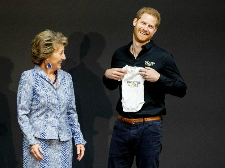 Фото №2 - Опубликовано свидетельство о рождении первенца Сассекских