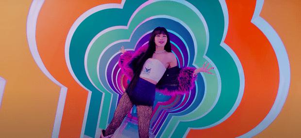 Фото №4 - Ice Cream: 5 лучших fashion-образов из нового клипа Селены Гомес и BLACKPINK