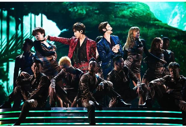 Фото №8 - Топ-10 корейских бойбендов, которые продали больше всего альбомов