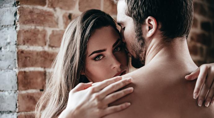 Стоит ли имитировать оргазм, чтобы не огорчать партнера?