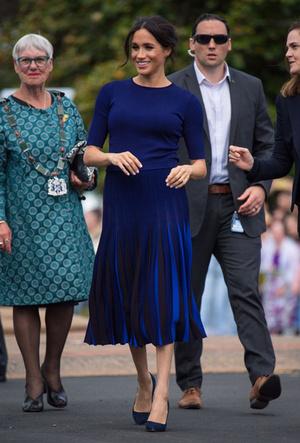 Фото №3 - Вечная классика: как королевские особы носят плиссированные юбки