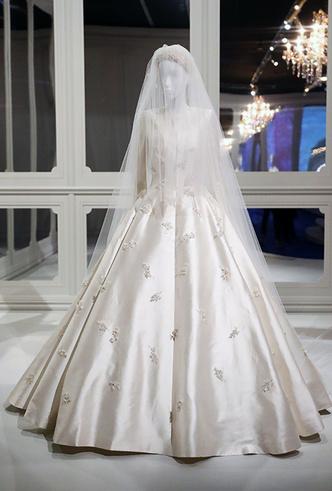 Фото №8 - Свадебное платье Dior на заказ