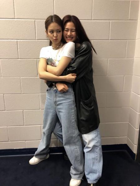 Фото №2 - Чон Хо Ён из «Игры в кальмара» рассказала, как она подружилась с Дженни из BLACKPINK 😍
