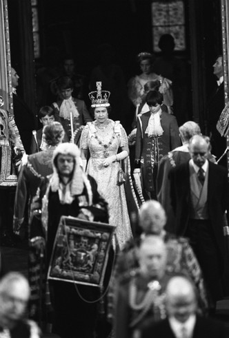 Фото №4 - Стрижка раздора: как принцесса Диана «украла шоу» у Королевы