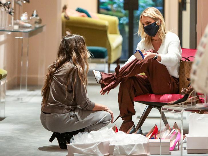 Фото №2 - Какой российской актрисе Сара Джессика Паркер подбирает обувь?