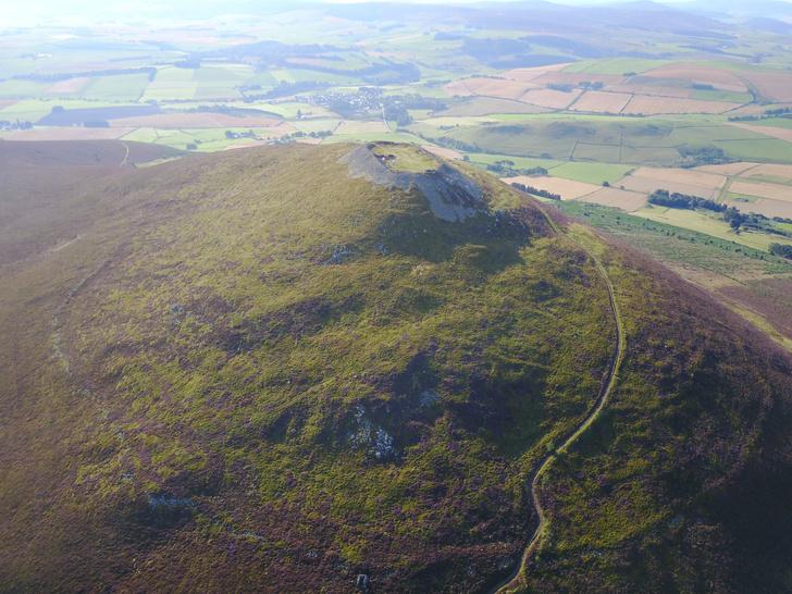 Фото №1 - В Шотландии обнаружено крупнейшее пиктское поселение