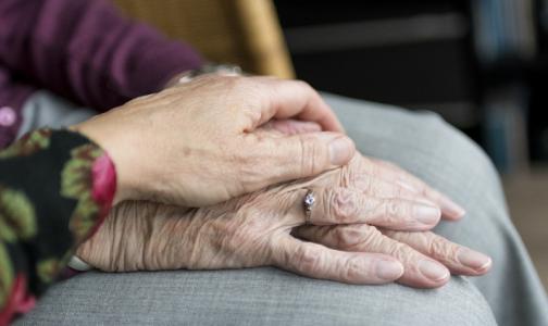 Фото №1 - Врачи НМИЦ онкологии им. Петрова: Наши пациенты рака боятся больше, чем коронавируса
