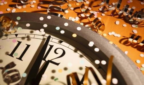 Фото №1 - Роспотребнадзор просит петербуржцев не переедать и не выпивать на Новый год