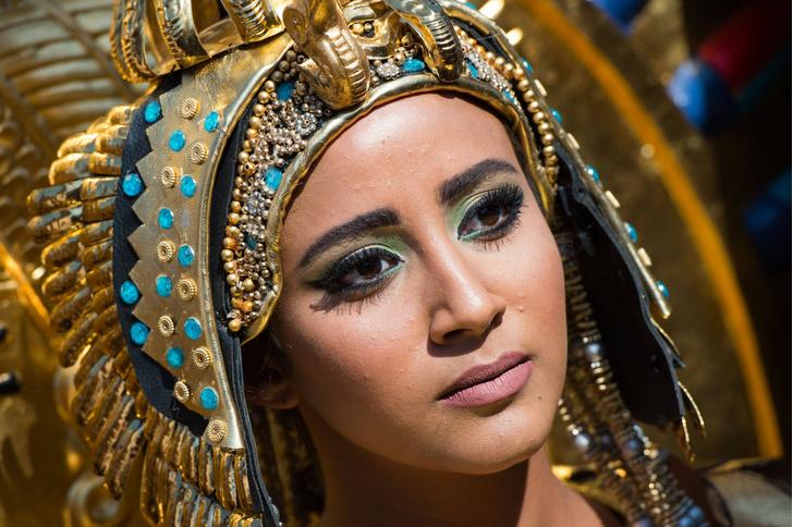 Фото №1 - Ученые воссоздали духи времен Клеопатры