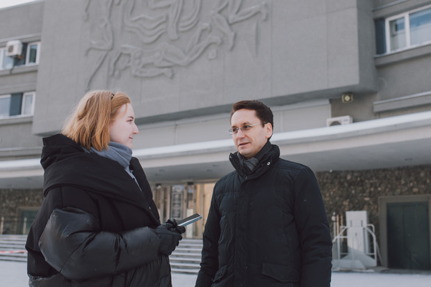 Фото №7 - «А если я лежу в неглиже?»: прогулка с телеведущим и проректором УрФУ Алексеем Фаюстовым по «центральному» ВИЗу
