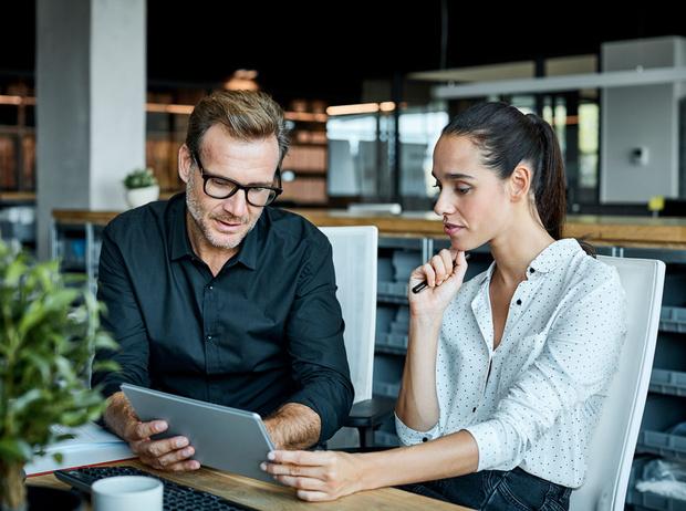 Фото №3 - Как стать «гением общения»: 23 навыка, которые помогут карьерному росту