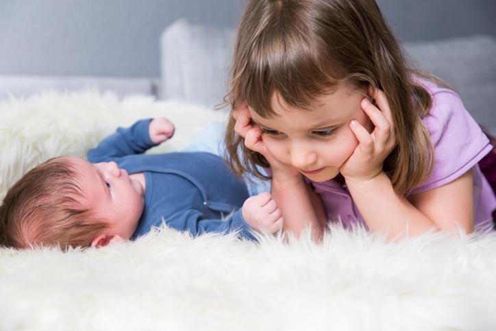 Фото №1 - Как подготовить ребенка к рождению младшего: самые главные правила