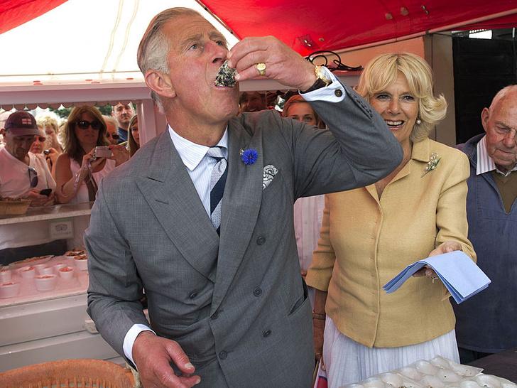 Фото №1 - Пищевые привычки принца Чарльза, которые порой сводят с ума его персонал
