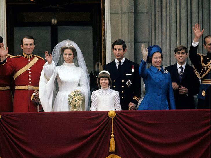 Фото №2 - Против системы: какую важную королевскую традицию нарушила принцесса Анна