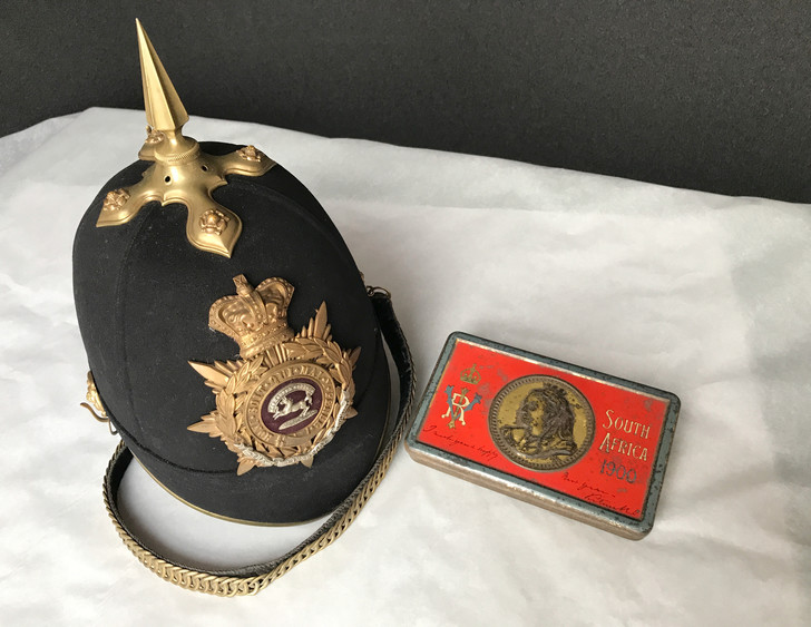 Фото №1 - 120-летняя шоколадка обнаружена в футляре для шлема английского офицера