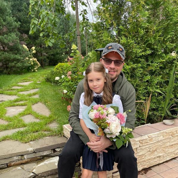 Фото №2 - Теперь официально: Гарик Харламов подтвердил новый роман