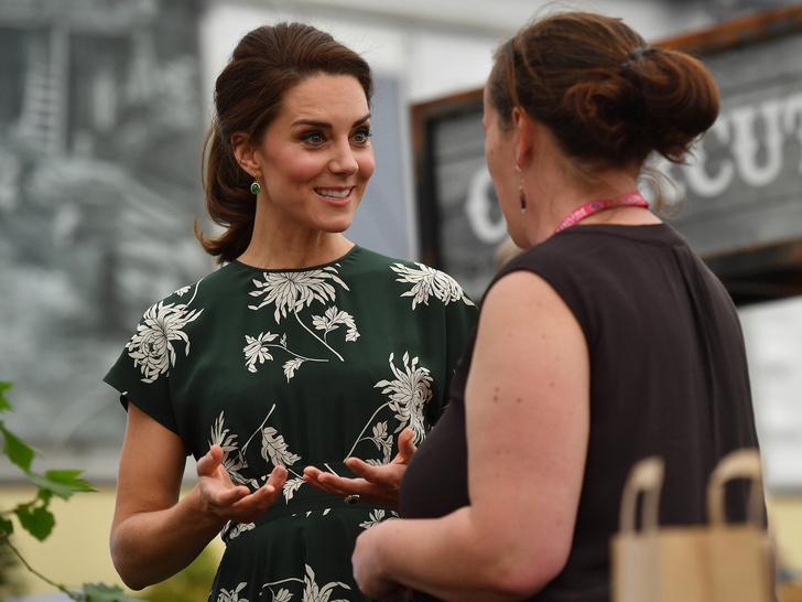 Фото №2 - Одно-единственное слово, которым Меган охарактеризовала Кейт при первой встрече