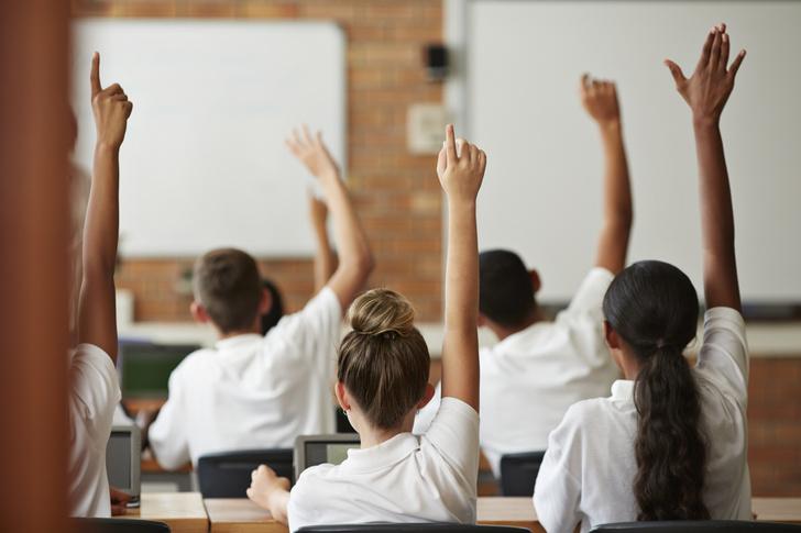 Фото №4 - Ты же леди: правила этикета, о которых нужно помнить в школе