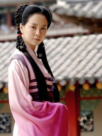 Фото №5 - Pretty Unnie: Все, что мы знаем о богине удачи Сон Джи Хё 🍀