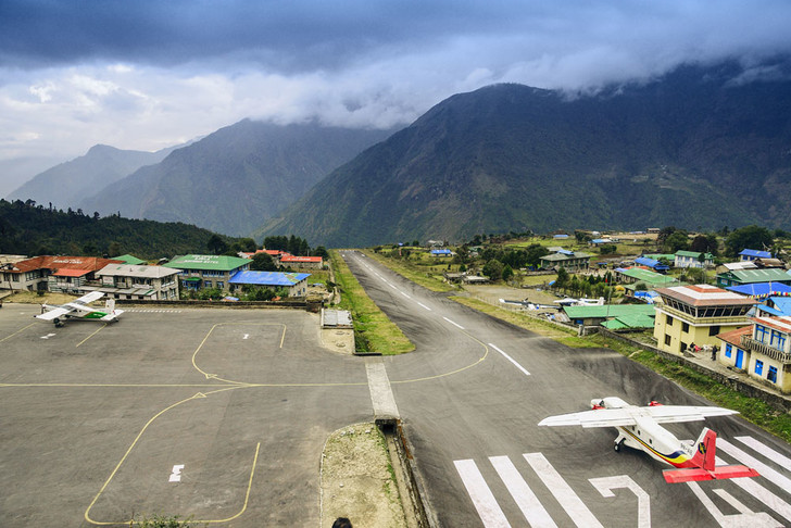 Фото №1 - Полет фантазии: 10 удивительных аэропортов мира
