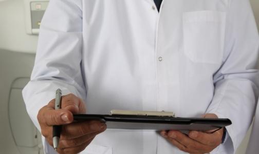 Фото №1 - Ученые рассказали, чем могут быть опасны для пациентов медицинские халаты
