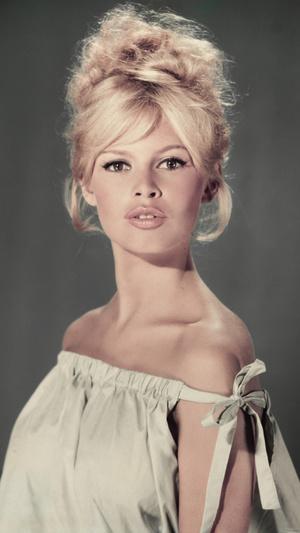 Фото №2 - Тогда и сейчас: как сегодня выглядят самые красивые французские актрисы